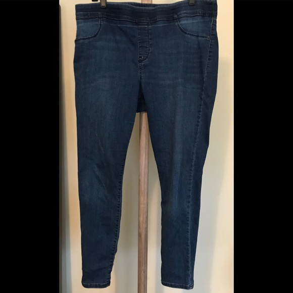 38f831fae29b1 Old Navy Mid Rise Rockstar jeggings Jeans 16. M_5bb913117386bc8c6992a334
